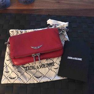 En Zadig Voltaire väska , äkta ! Frakt tillkommer men den ligger endast på runt 50-60 kr då paketet inte blir så stort. 😜
