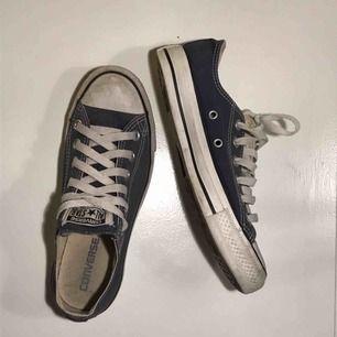 Blåa låga Converse - Storlek 37,5