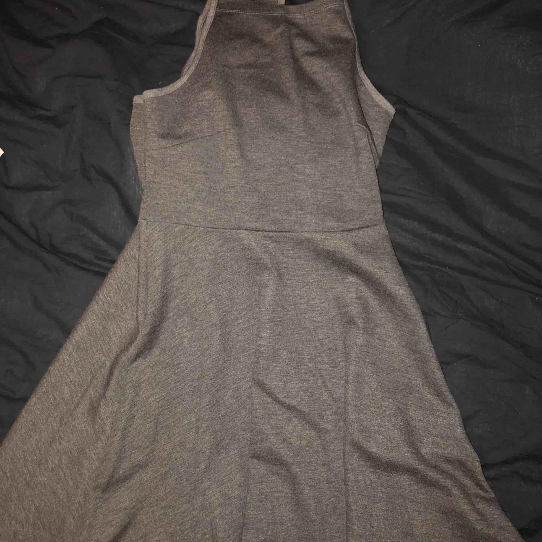 Cool skater dress från gina, använd 1 gång. Klänningar.