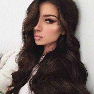 Löshår från märket bellami hair, 60 cm clip in 280 g i färgen mochachino brown. Det är äkta löshår av högsta kvalité, använt 4-5 ggr. Köptes för 5000 (inklusive frakt, tullavgift) kan skicka mer bilder om så önskas😘