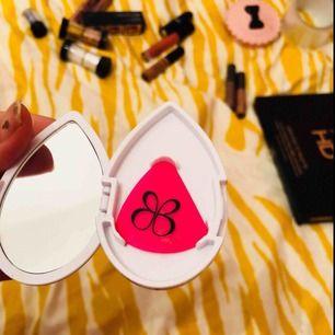 From beauty blender! Frakten 9kr!