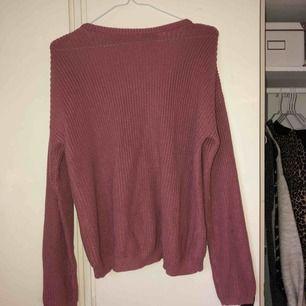 Stickad tröja från NAKD i storlek S, frakten är inräknad