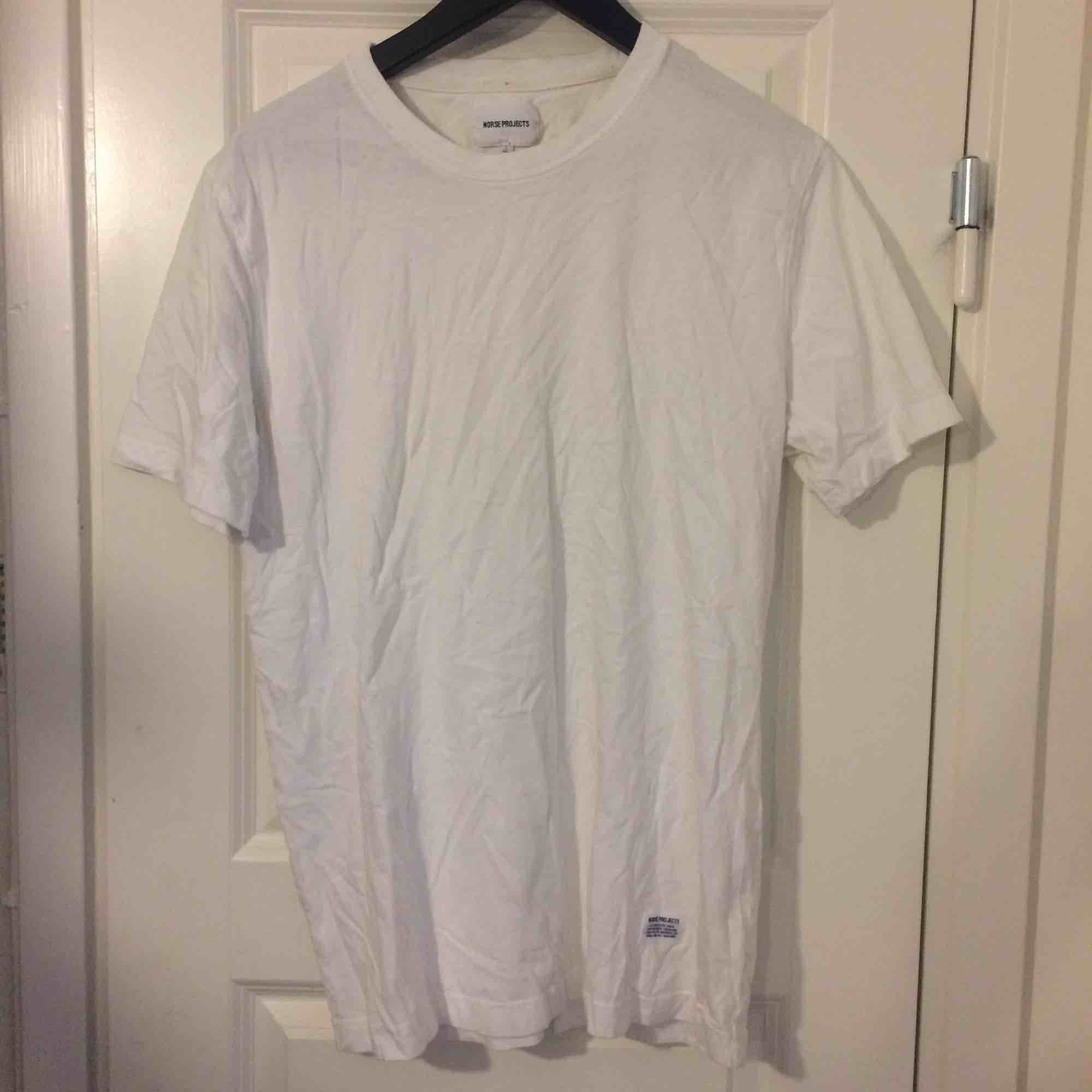 Norse Projects white t shirt XL. T-shirts.