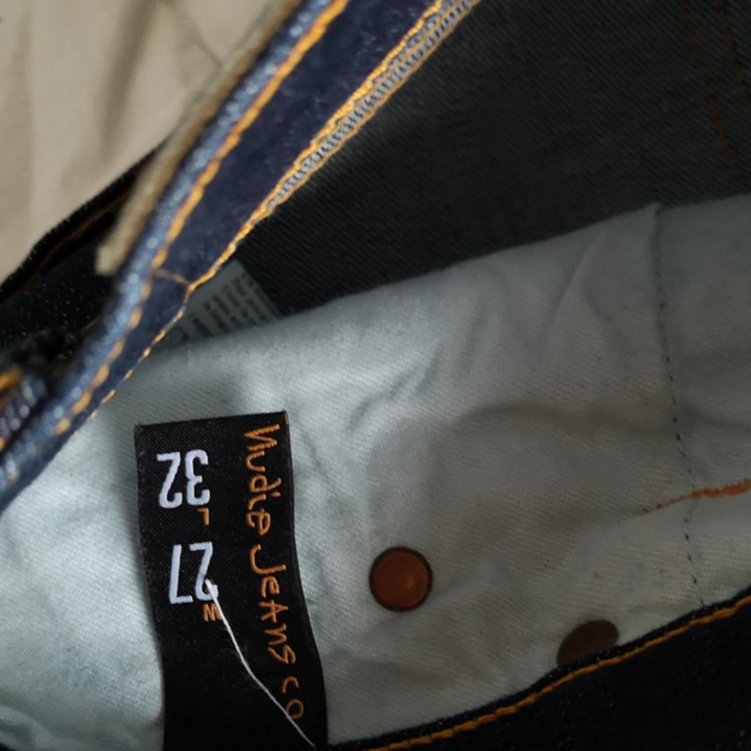 Snygga mörkblå Nudie jeans.  Modell: tube Kelly blue strikey. Jeans & Byxor.