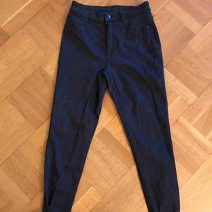 Svartblå jeans från Cheap Monday. Meet-up i Gbg. Samfraktar gärna. ✨