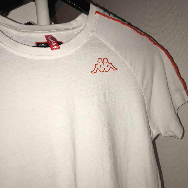 Kappa T-shirt använd fåtal gånger (:. T-shirts.