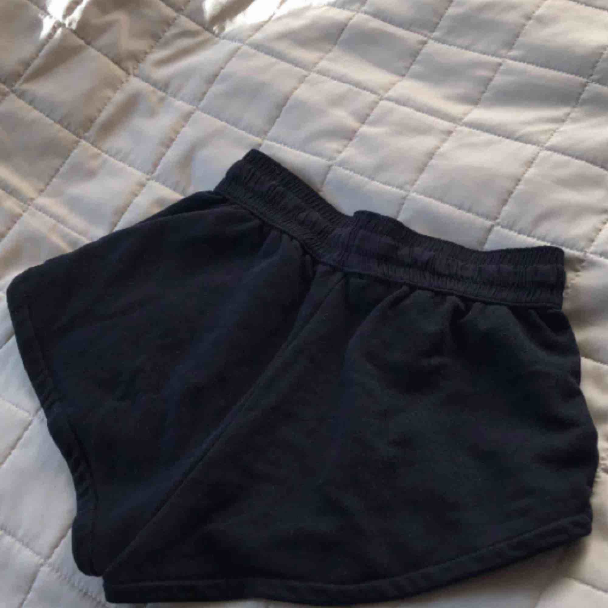 Svarta mjukis shorts, super sköna!. Shorts.