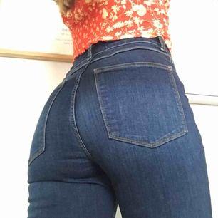 Jeans från Zara i storlek 36💙 Frakt 36kr💌