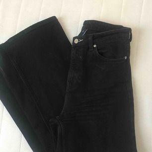 Sjukt snygga jeans i modellen Ace från weekday, används men i bra skick, skulle även passa w29