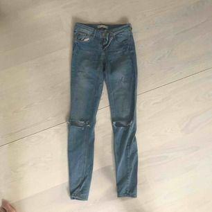 Ljusblåa jeans från Gina passform: Lisa