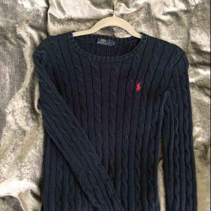 Kabelstickad tröja från Ralp Lauren i strl XS. Köpt i USA för några år sedan, nypris är 1299 kr.