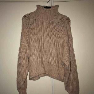 Stickad tröja från hm, endast testad.  Kom med prisförslag:)