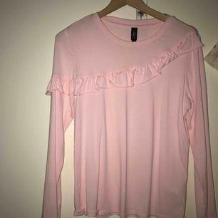 Nästintill ny tröja från MQ.