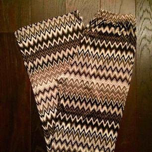 Jättesköna byxor i Missoni mönster! Silkeslena!🧖♀️