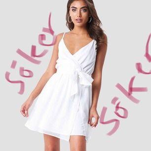 Söker denna klänning från Iva Nikolina X NA-KD!!!!! Skriv supergärna om ni har den eller någon som liknar den🌟🌟🌟 storlek 36 eller 38