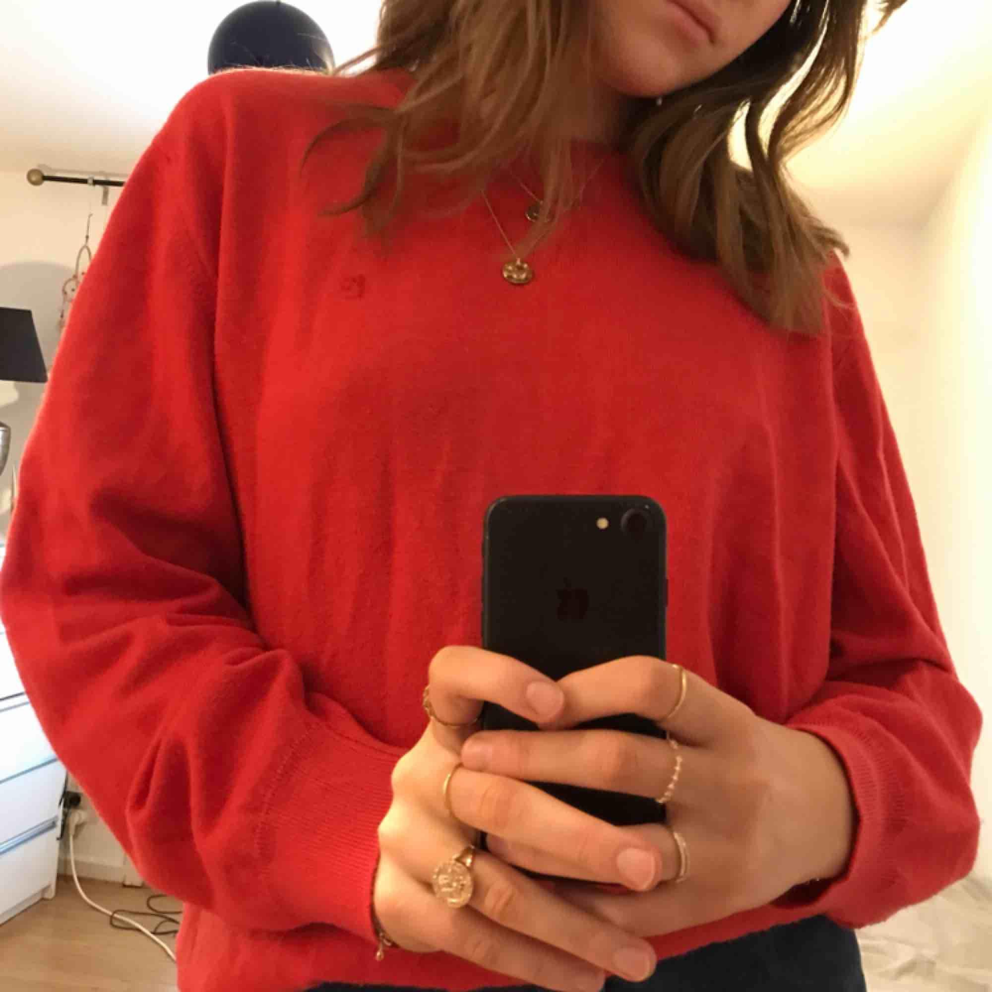 Röd tröja 🌹. Tröjor & Koftor.