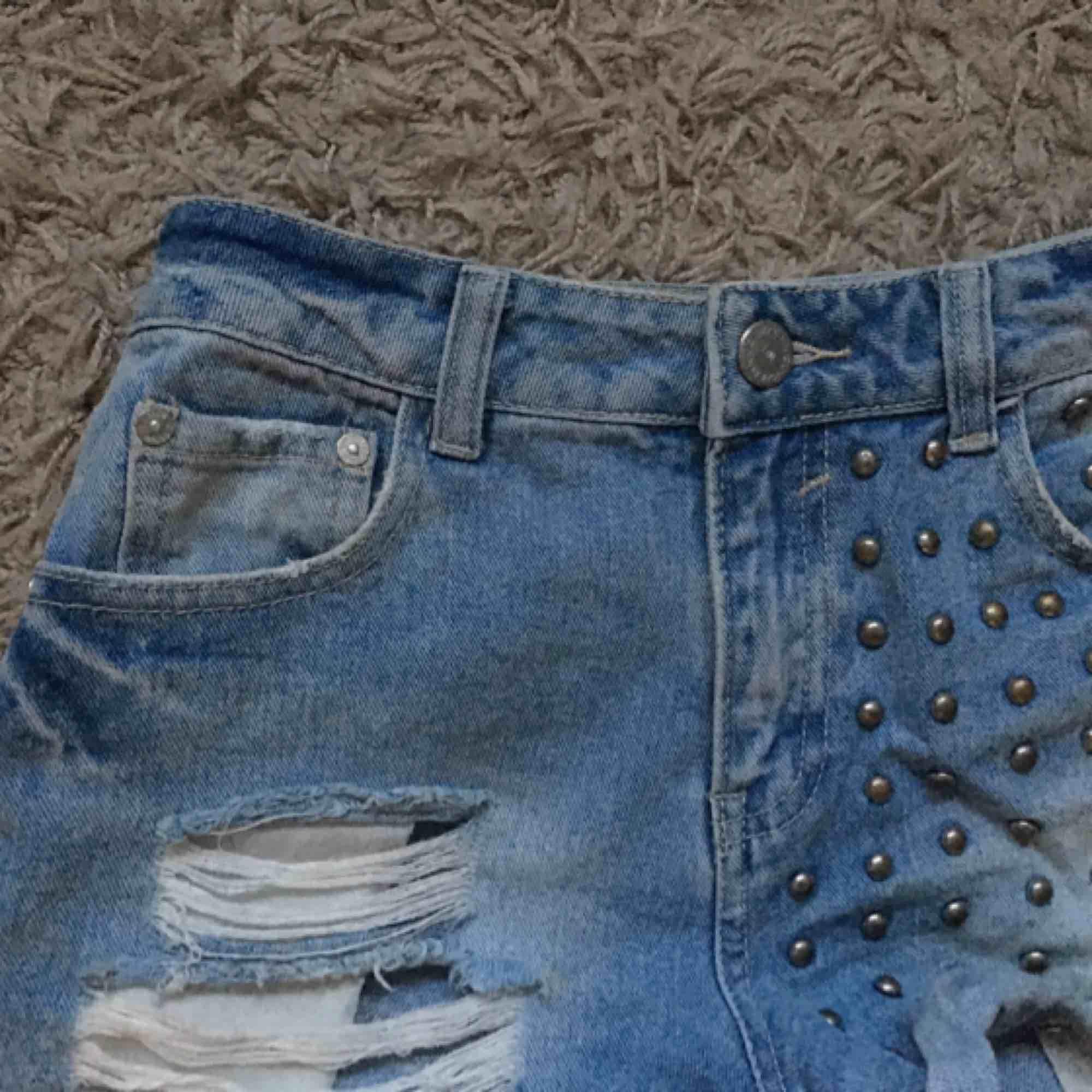 Shorts från Cubus i storlek 34. Tar swish. 🤗✨. Shorts.