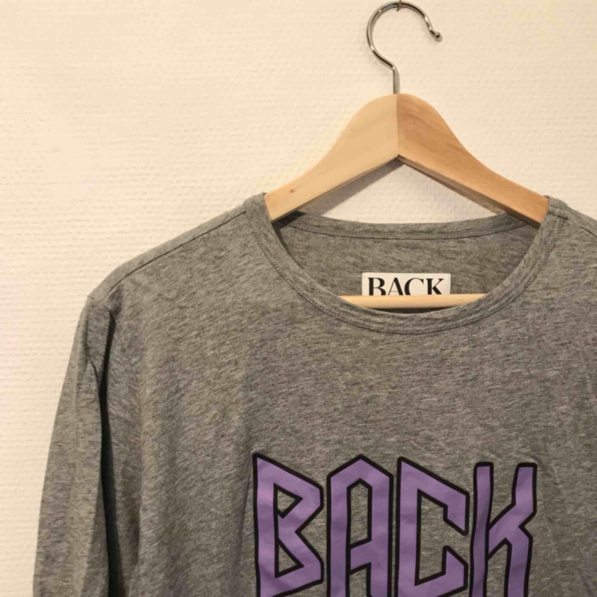 Tshirt från BACK Nypris 600kr. T-shirts.