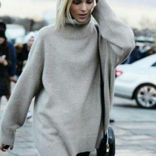 Oversize ulltröja från H&M, polokrage. Strl XS, lång modell.
