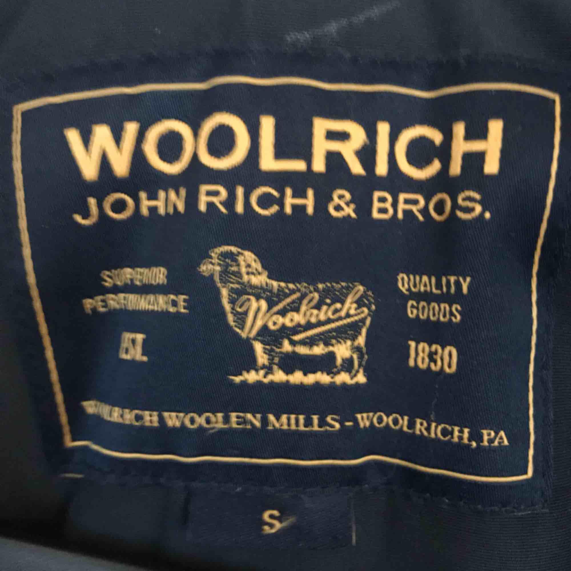 Marinblå woolrich strlk S som ny! . Jackor.