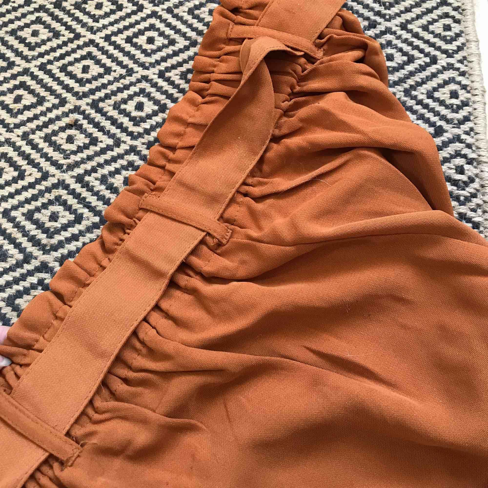Från Cubus. Loosefit sköna byxor. Senapsgul/brun/orange. Använda en gång.. Jeans & Byxor.
