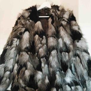Snyggaste faux fur ifrån Forever21. Nyskick!