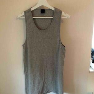 Oversize linne eller kort klänning, välj själv. Passar 36-40