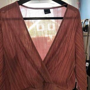 Tunika / Bauch Pullover von GinaTricot gekauft. Neuer Preis: 249 -: Verkauf, weil es nicht verwendet wird. Verwenden Sie niemals nur in Geschäften getestete!