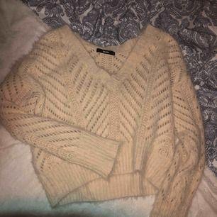 Superfin tröja från bikbok, säljs pga köpt i fel str, köparen står för frakt😇