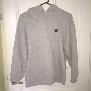 Vintage grå Nike hoodie, storlek XS-S skulle jag säga, fri frakt