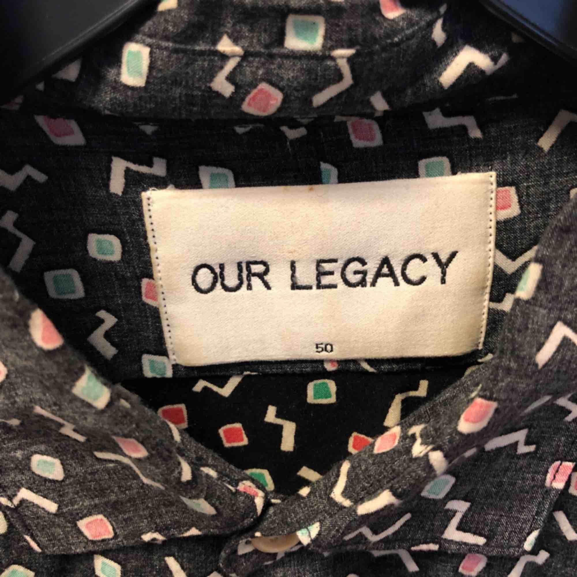En av mina personliga favoriter från Our legacy i underbart material (viskos), sitter mer som en 48 än en 50. Skjortor.