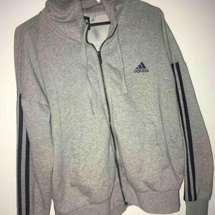 Adidas hoodie i nyskick