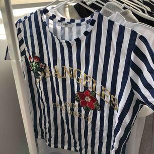 T-shirt från zara 👄 köpare betalar frakt :)