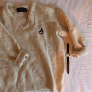 Supermysig tröja köpt på Second Hand. Kan mötas upp i Stockholm eller frakta mot fraktkostnad. 🌹