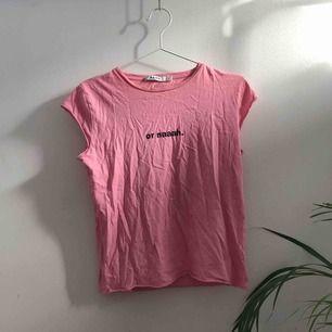 T-shirt från Na-Kd 🦄 köpare betalar frakt :)