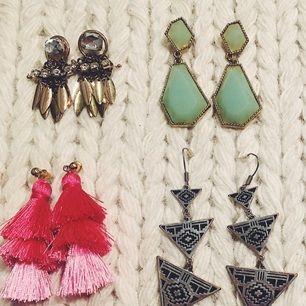 Säljer lite örhängen som aldrig kommer till användning. 10 kr styck eller 3 för 20 kr  Till de gula hör två matchande ringar (ca storlek M i ringar man köper på t.ex H&M)