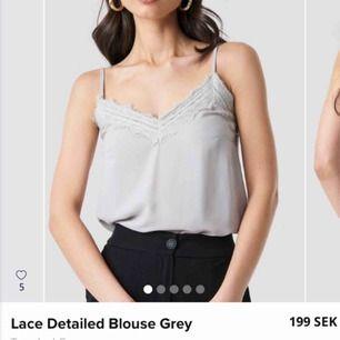 Ny lace detailed grå blusen från Trendyol, storlek är 34. Aldrig använd! Original priset är 199 kr. Frakt är plus 10kr.