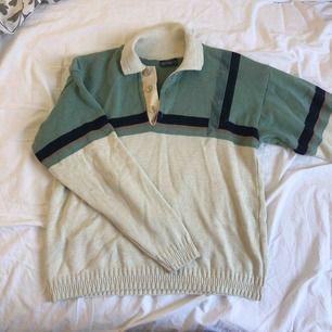 Sjukt mysig och fin tröja. Köpt secondhand men endast använd ett fåtal gånger. Fint skick. Köpare står för frakt