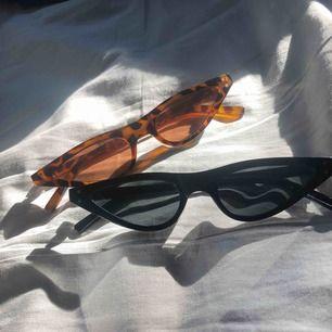 Solglasögon som ska sitta längre ner på näsbenet. 40kr styck