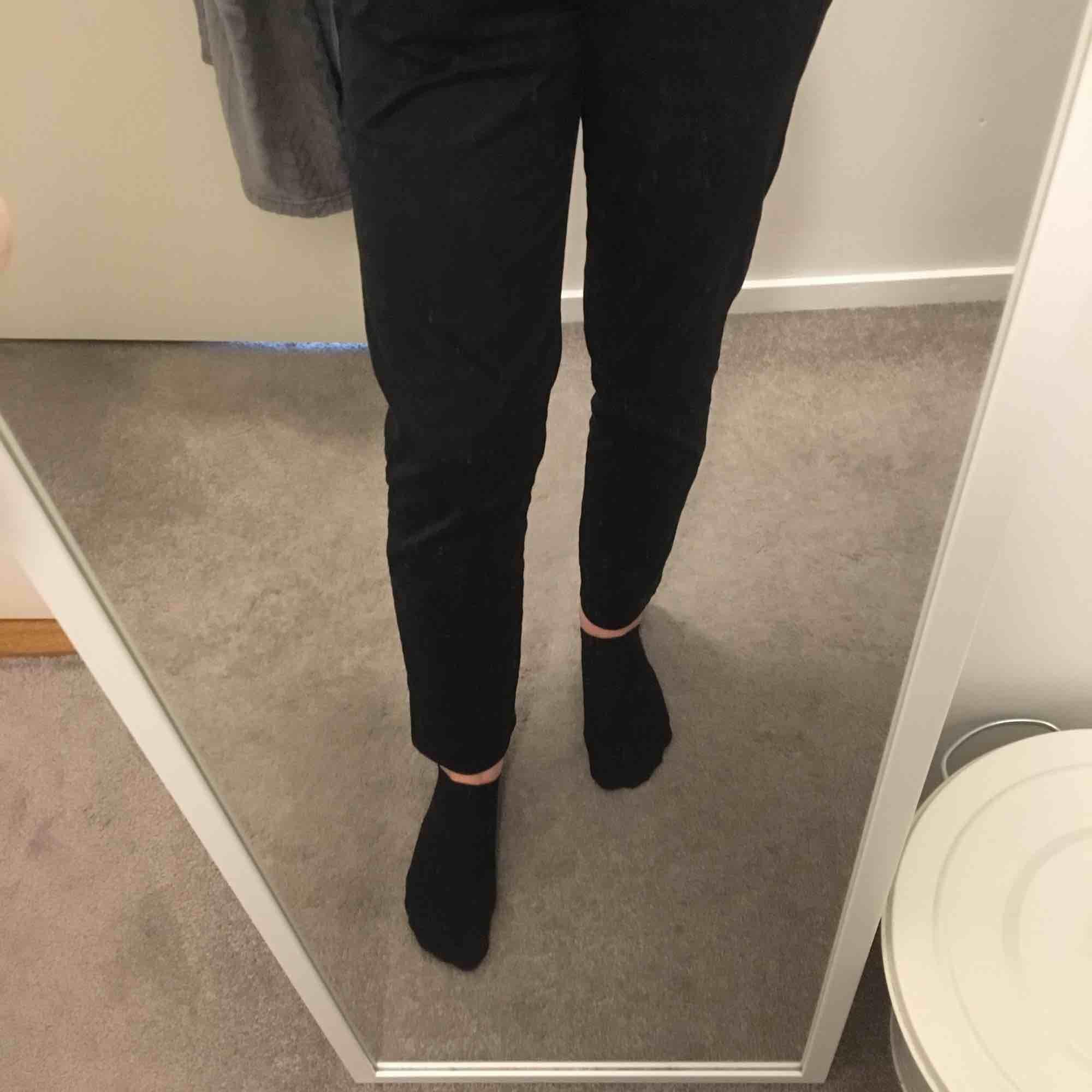 Fina kostymbyxor från gant, bra skick.. Jeans & Byxor.