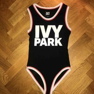 Body från Beyonce's sportmärke Ivy Park! Har tyvärr aldrig kommit till användning så behöver nytt hem. Köpare står för eventuell frakt💋