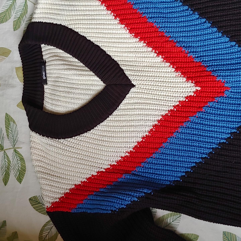 Stickad tröja från Ginatricot! Använd 3 gånger.  En liten fraktkostnad ingår❤ annars går det att mötas upp i Göteborg. Huvtröjor & Träningströjor.