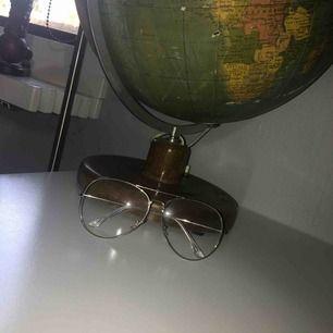 Fake glasögon från Hm. Stora pilot modell. Frakt tillkommer