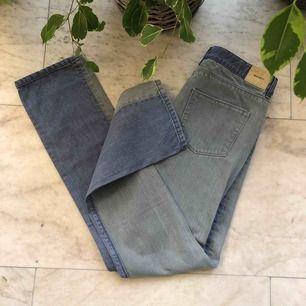 Snygga Whyred jeans i jättebra skick med två olika tvättar. Köparen står för eventuell frakt (50kr)