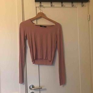 Söt långärmad tunn tröja från Bikbok