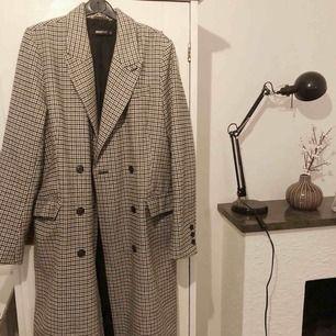 Skitsnygg kappa ✨ Dock ej kommit till användning så bättre den kommer till användning för någon annan 😊 250kr plus frakt 👍🏻