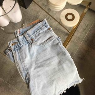 jeanskjol från levis