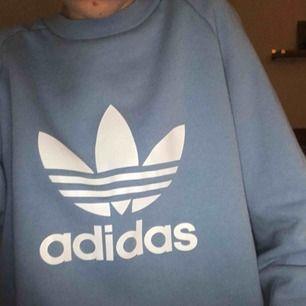 Helt ny skitsnygg Adidas tjocktröja. Pris kan diskuteras.