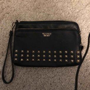 Mini clutch bag från Victorias Secret, knappt använd