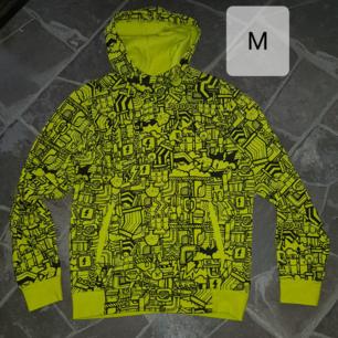 Som ny ADIDAS tröja i storlek M.  Frakt tillkommer